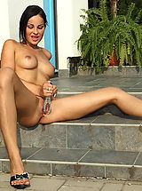 abbie cat 03 outdoor speculum spread tight pussy wide open