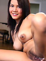 Asian Women cindy 09 secretary natural tits
