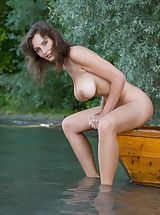 Femjoy - Ashley in Conqueror of Paradise